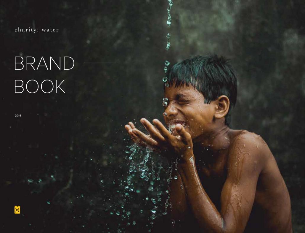 برند بوک سازمان توزیع آب Charity Water